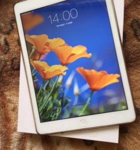 Планшет Aplle iPad