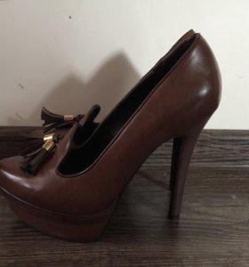 Продам абсолютно новые туфли