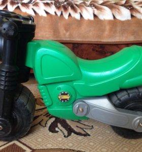 Детский мотоцикл (беговел)