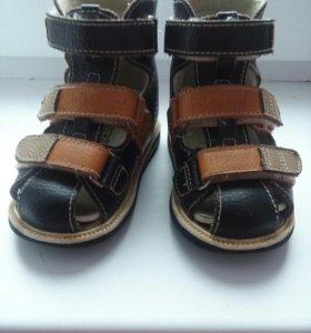 Ортопедические сандалии 22 размера
