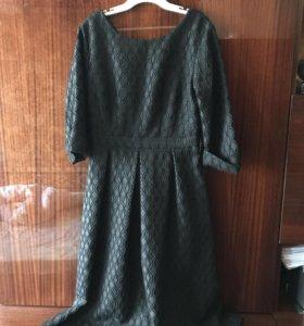 Платье чёрное с вырезом на спине