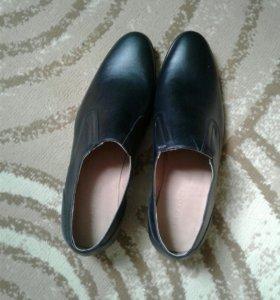 Mужская обувь кожа.