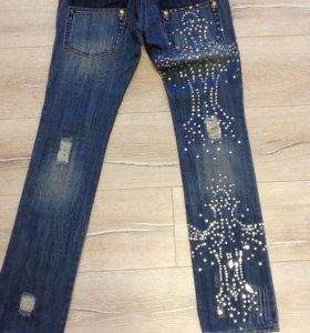 Модные джинсы 26 размер