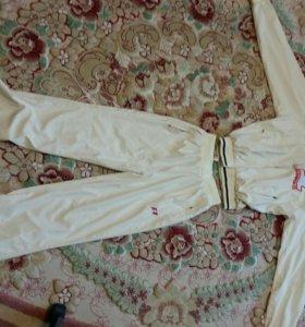 Продам спортивный костюм в Колпино
