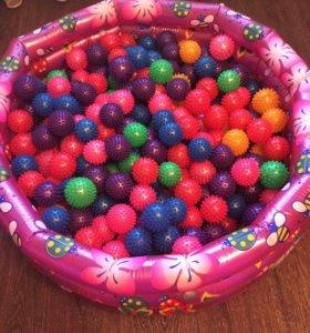 Сухой бассейн с массажными шариками