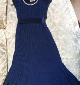 Вечернее платье- плессировка со стразами