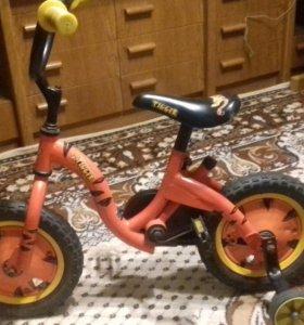 Велосипед 12 четырехколесный