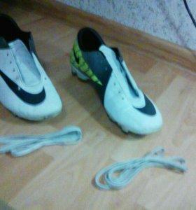 Продам буцы Nike оригинал MERCurial