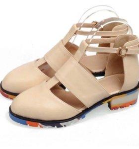 Новая женская обувь