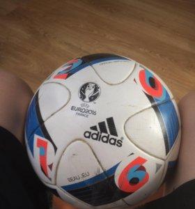 Футбольный мяч adidas EURO2016 France