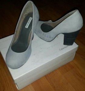 Туфли Calvin Klein 36 р (натуральная замша)