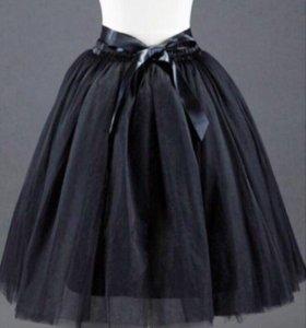 Пышная женская чёрная юбка с лентой