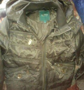 Куртка для девушки.