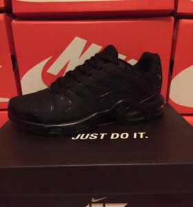 Nike Air Max Plus Tuned 1 Triple Black кроссовки