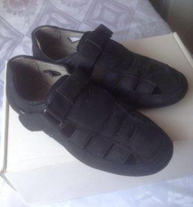 обувь детская. Кожа