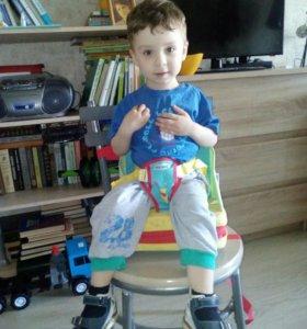 Переносной детский стульчик