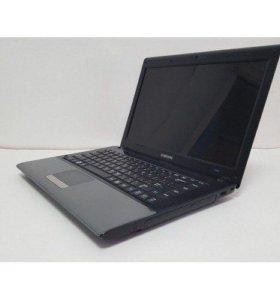 Компактный мощный ноутбук Samsung R440