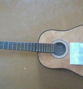 Продам гитару 7-ми струную срочно.