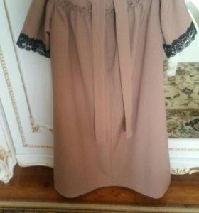 Продаю новое платье размер М этикетка все на месте