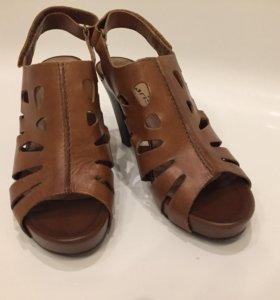 Туфли босоножки tamaris