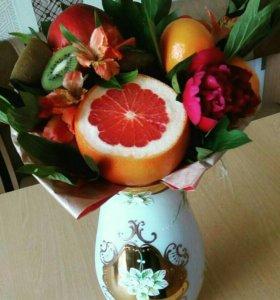 Фруктовые-цветочные букеты на заказ