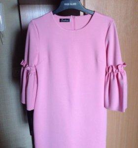 Продам платье розовое