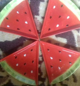 Тарелки фрукты
