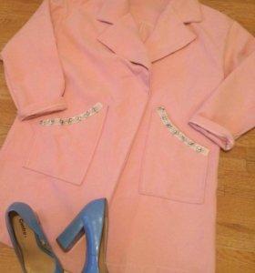 Пальто и туфли 36 размер