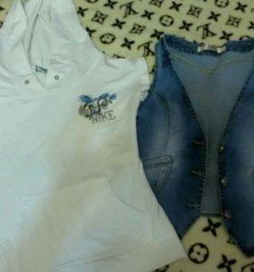 джинсовая жилетка и футболка