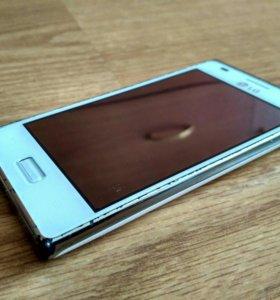 Смартфон LG E612 Optimus L5