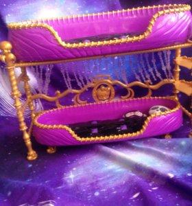 Кровать для кукол Монстер хай.