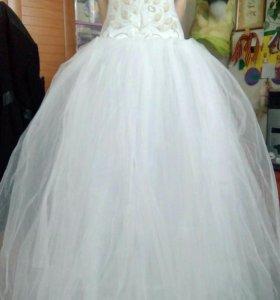 Свадебное платье 42-44.