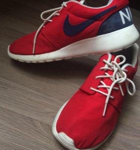 Фирменные кроссовки Nike Roche One Retro .
