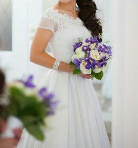 Свадебное платье + подарок лаковые туфли!