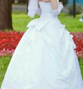 Свадебное платье с сумочкой