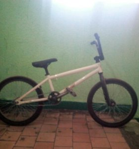 Велосипед bmx felt mystic