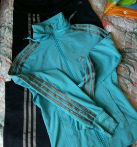 Спортивный костюм Adidas (оригинал) р-р 40-42