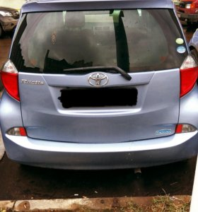Toyota ractis 2011 1.5