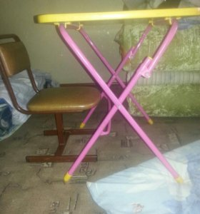 Детский столик со стулом !!