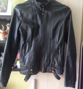 Куртка женская   М