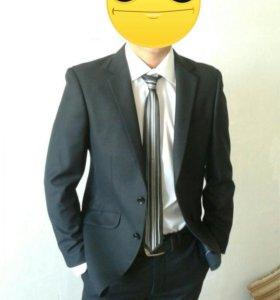 Стильный молодежный костюм