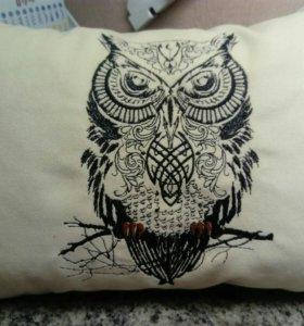 Декоративная подушка с вышивкой Сова