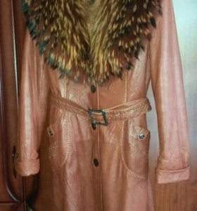 Продам кожаное пальто