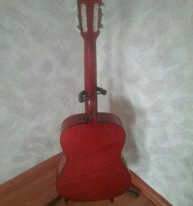 Продам гитару(торг возможен)