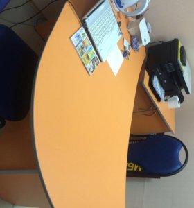 Продам стол для работы в офисе .