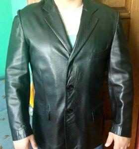 Мужской кожаный пиджак