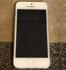 Белый IPhone 5 на 16Гб