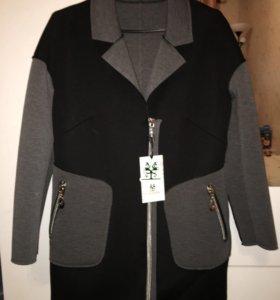Новое пальто 42 рр