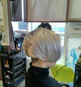 Женская модельная стрижка ( короткий волос )
