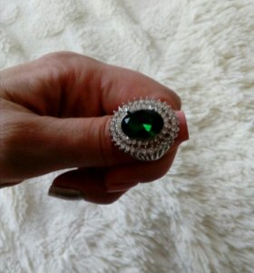 Очччь красивый перстень.
